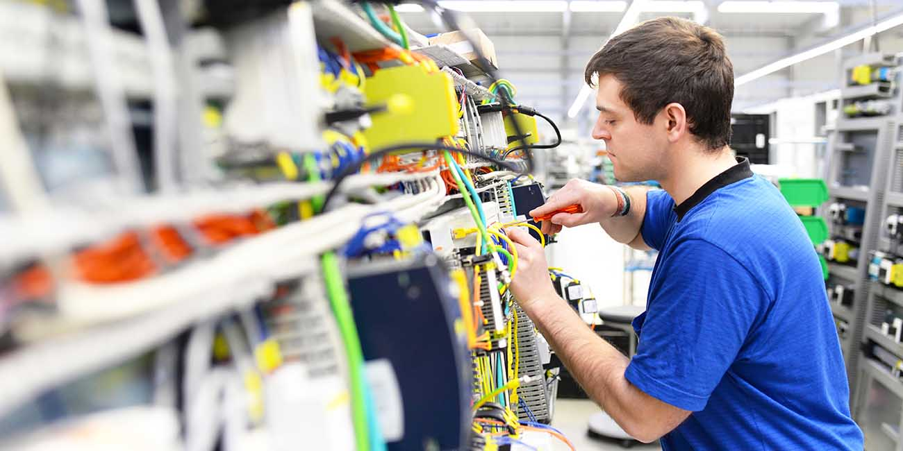 Regionales Stellenangebot für einen Job als Elektroniker in Menden